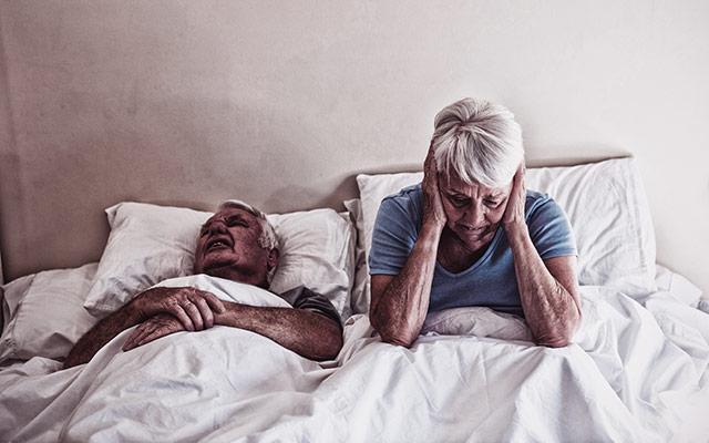 Smrčanje krati spanec partnerja